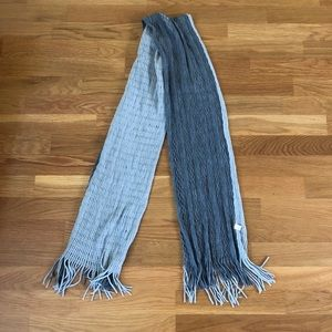 Accessories - Gray scarf NWOT
